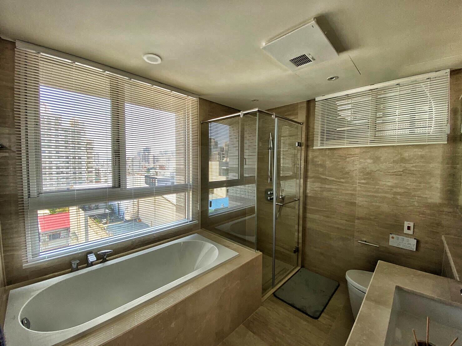 台中窗簾推薦案例 鋁百葉 浴室鋁百葉